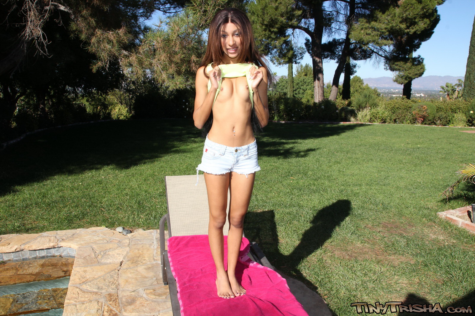Tiny Trisha Enjoys Showing Off Her Sexy Body In Outdoors - Picture 3